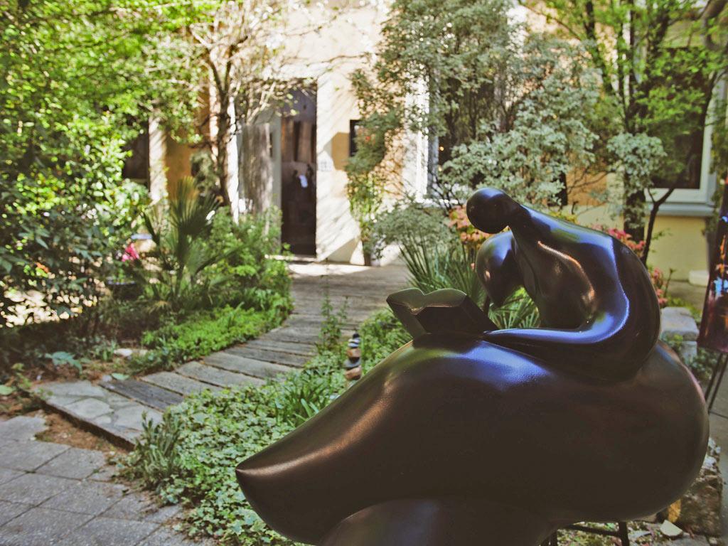 jardin de la galerie d'art bleu réglisse