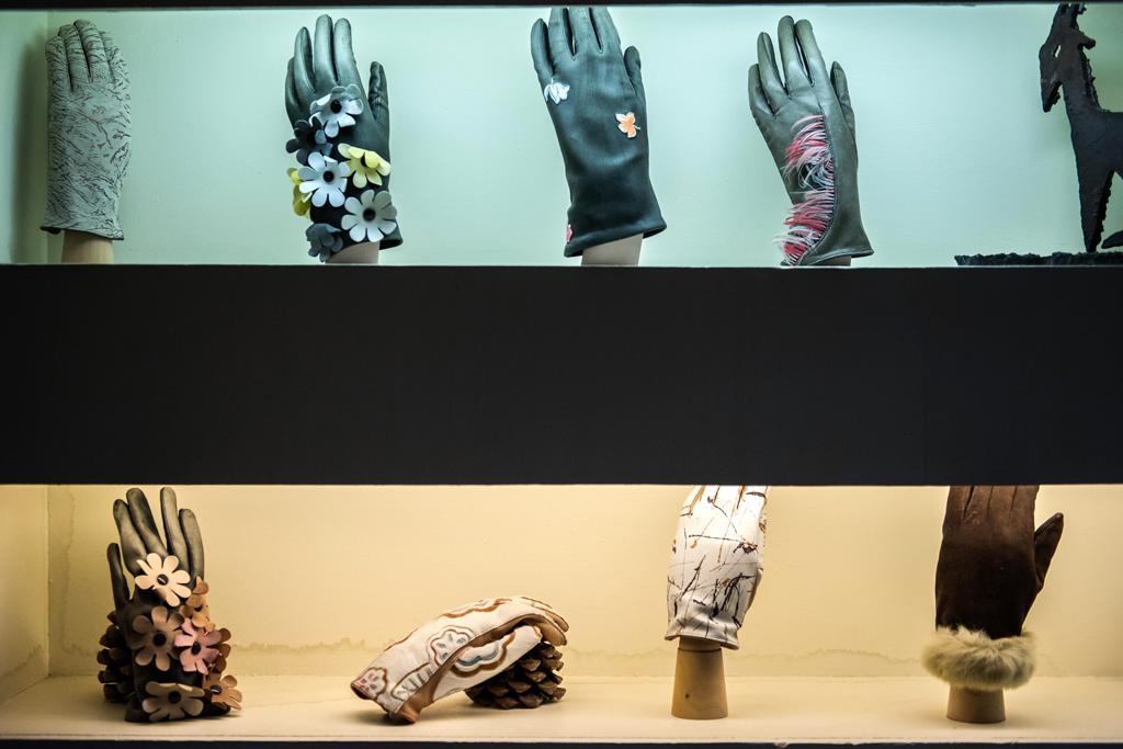 Les artisans de Millau sont spécialisés dans le gant