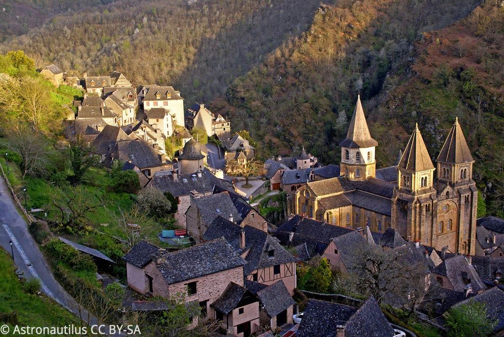 Le très beau village de Conches