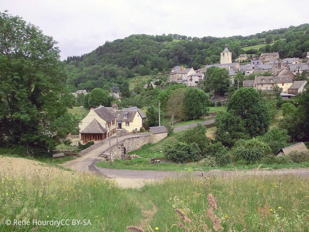 Le mignon village de Saint-Chely d'Aubrac