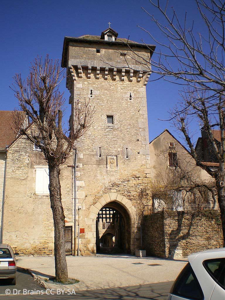 Tour porte carrée de Villeneuve
