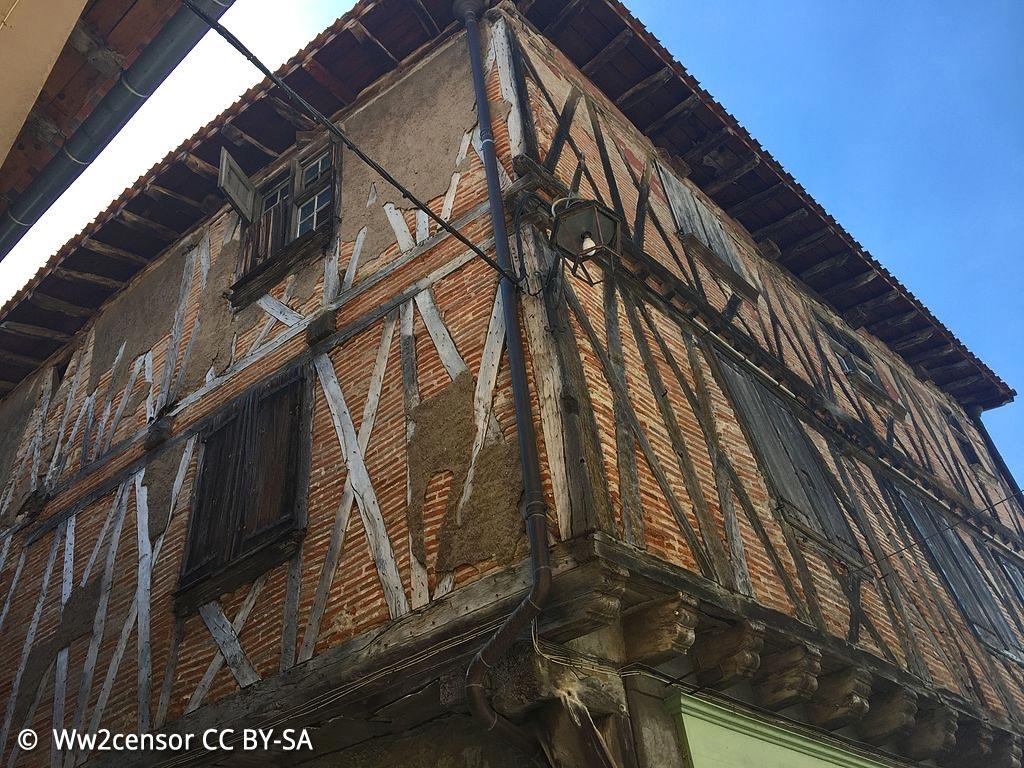 Hostellerie du Lyon d'Or, bâtisse médiévale