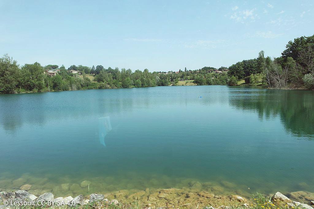 Lac de la base de loisirs de Montclar-de-Quercy