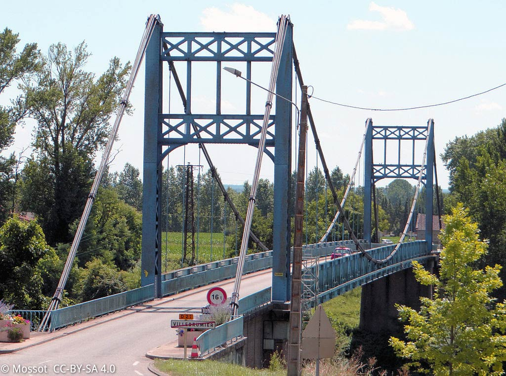 Le Pont suspendu de Villebrumier