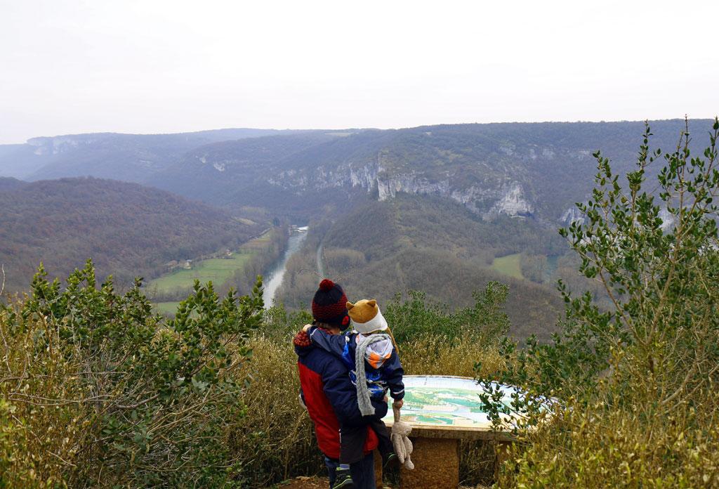 Même en hiver, les paysages des gorges de l'Aveyron sont grandioses !